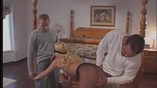 Blonde soumise en double penetration