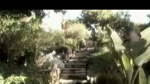 Jessica Drake et Evan Stone baise dans le jardin